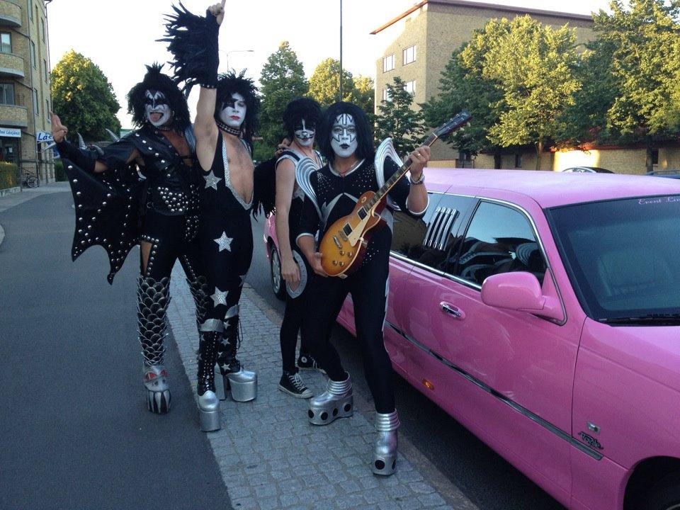 dominerande ledsagare kissing i Malmö